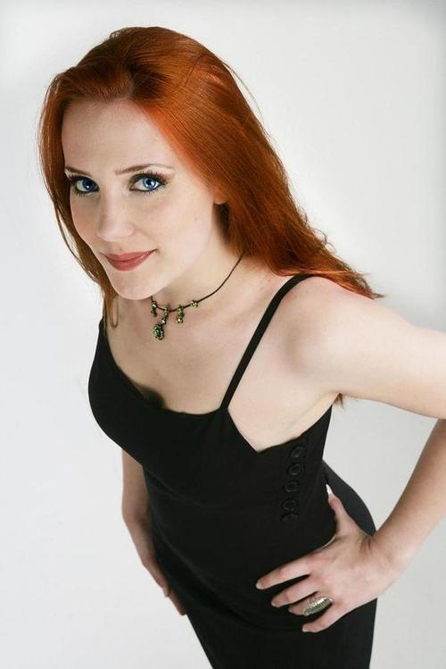 Les femmes les plus belles - Page 11 Epica%20inter