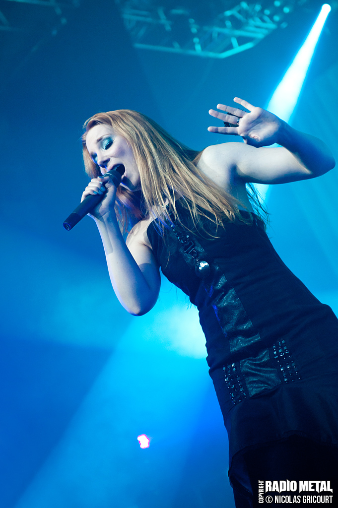 Reviews de concerts - Page 11 Epica_2012_13_04_44