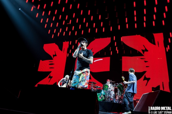 Red_Hot_Chili_Peppers_2016_10_16_03
