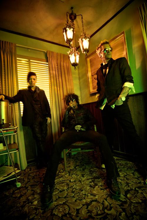 SIXX :AM Sixx-AM-Hotel-Lobby-4-credit-Paul-Brown-500