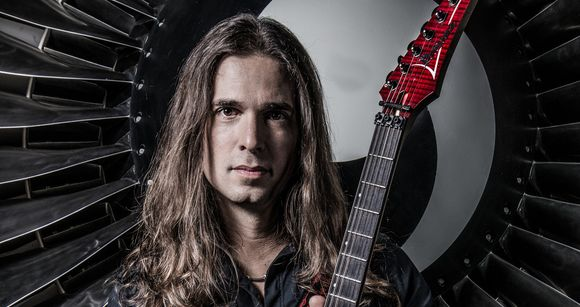 INTERVIEW ANGRA : KIKO LOUREIRO OUVRE LA PORTE DE SON JARDIN SECRET