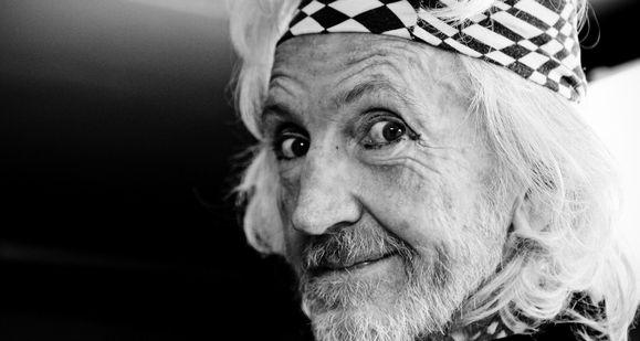 HOMMAGE : LE DERNIER COUP DE GONG DE DAEVID ALLEN