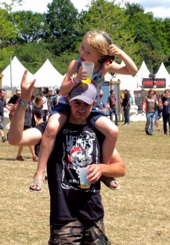 festivalier avec enfant