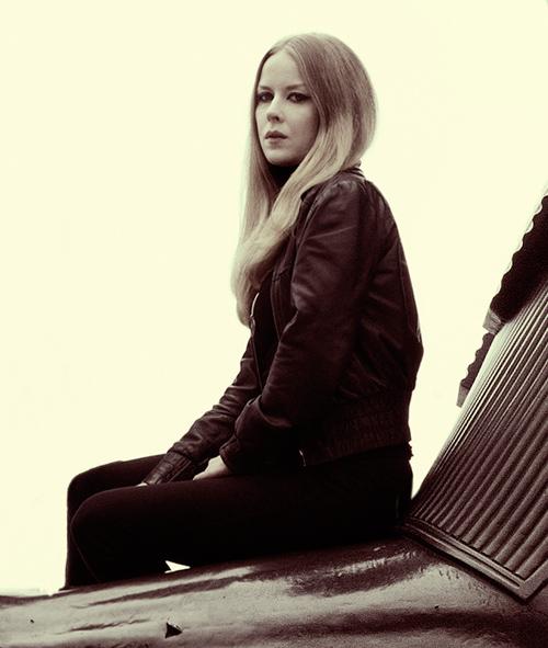 Johanna Sadonis - Lucifer