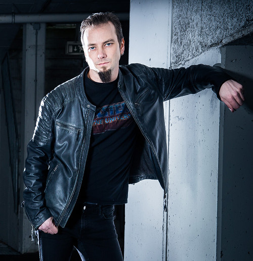 Matthias Zimmer - Perzonal War