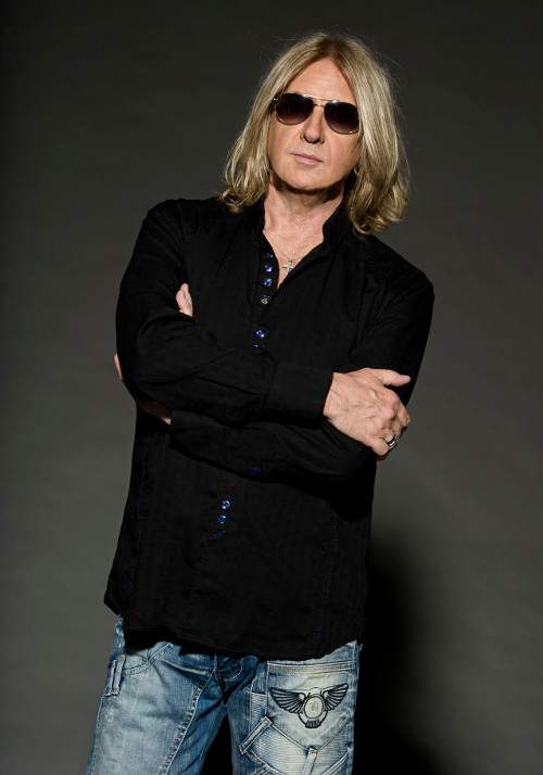 Joe Elliott - Def_Leppard credit Ross Halfin